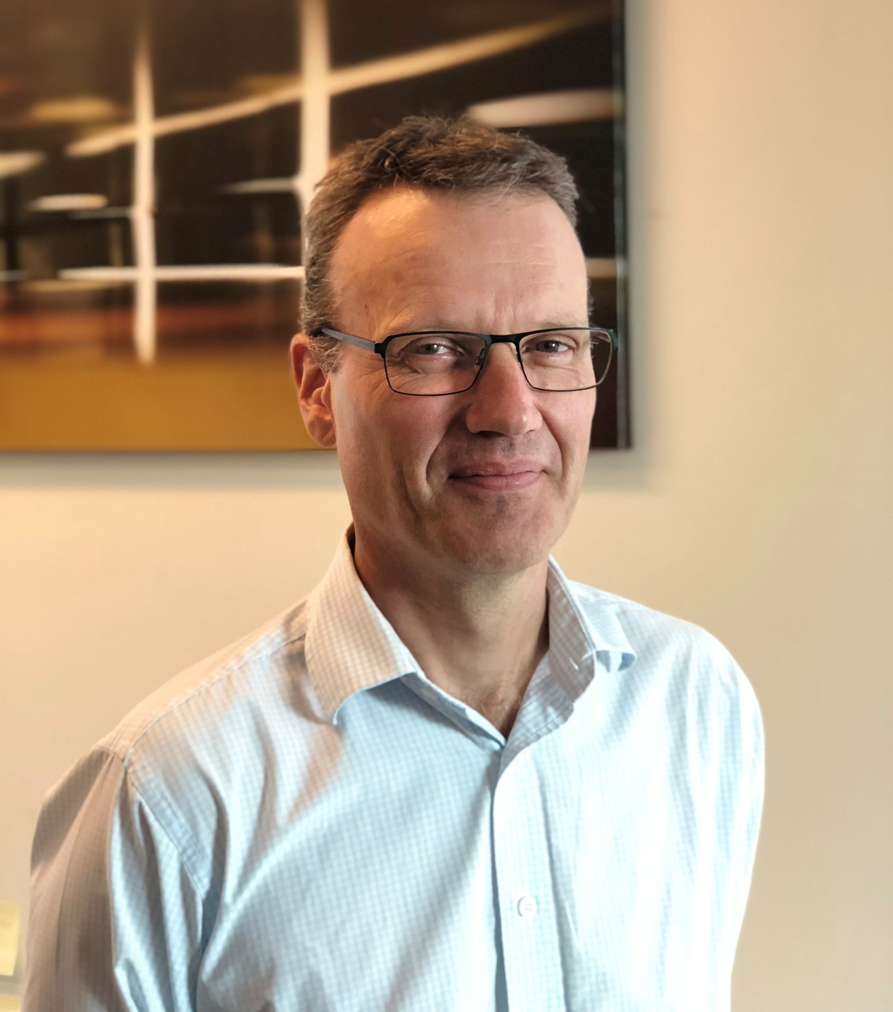 Dr Rodney Thomson has over 18 years research and development experience in the design and analysis of composite structures for aerospace, maritime, automotive and oil & gas applications.